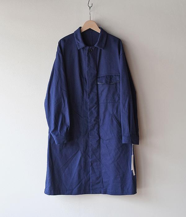 94a70587396ec ゴーシュから秋冬の新作が入荷しています。100 1 コットン ブロードのシャツは首元のピンで留める新しいデザインで、生地もちょっとドレッシーなブロードです。